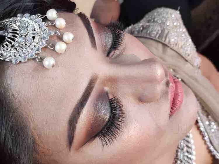 affordable make-up artist in Delhi