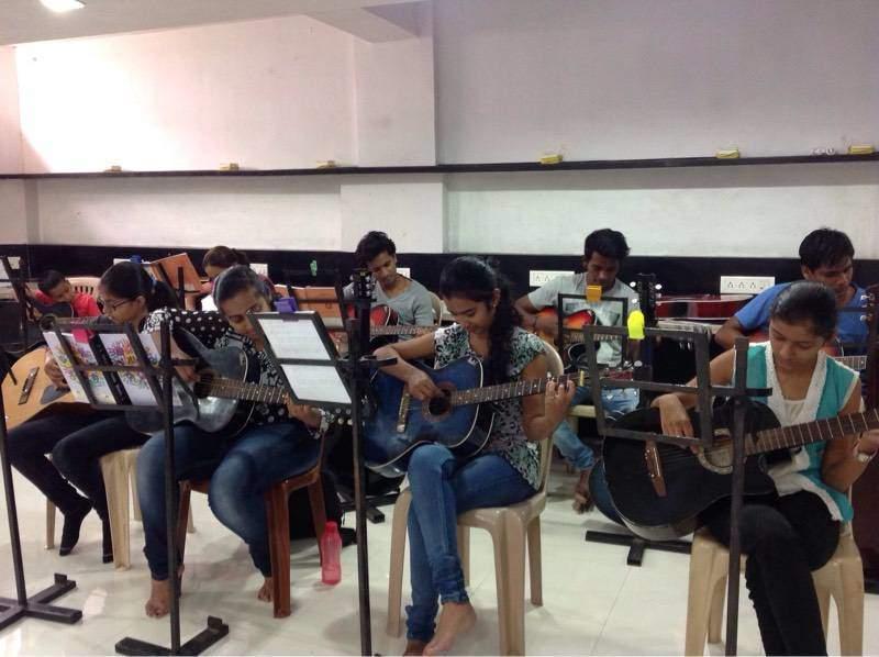 Leading singing classes in Nashik