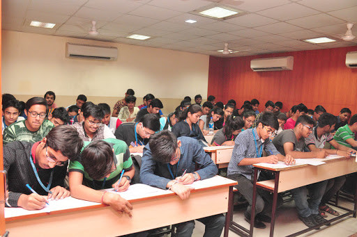 FAMOUS CAT/CET CLASSES IN BILASPUR